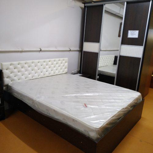 Кровать 1,6 на 2 метра с матрасом